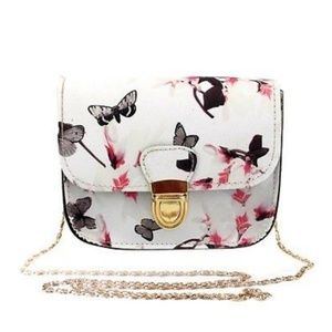Handbags - White Butterfly Clasp Chain Purse